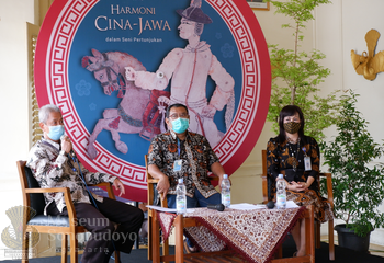 Cultural Acculturation In The Javanese Chinese Harmony Exhibition